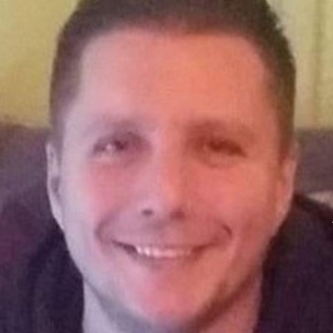 Roland, 33 éves társkereső férfi - Kakucs
