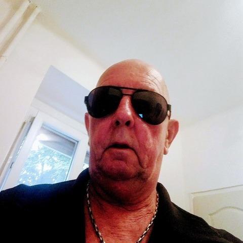 Gyula, 43 éves társkereső férfi - Dunaújváros