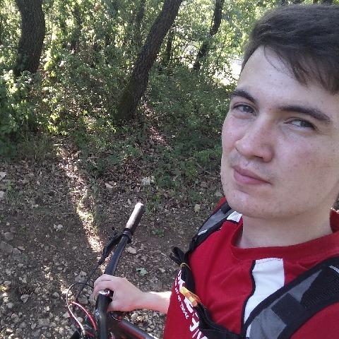 Zoltán, 21 éves társkereső férfi - Veszprém