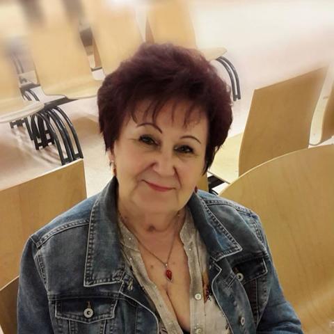 Lenke, 78 éves társkereső nő - Budapest