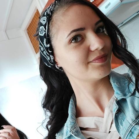 Évike, 21 éves társkereső nő - Miskolc
