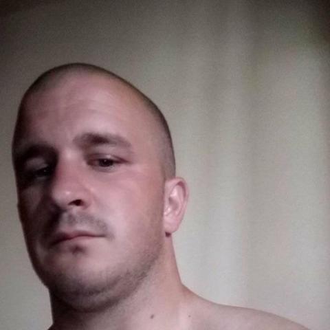 László, 27 éves társkereső férfi - Nyíregyháza