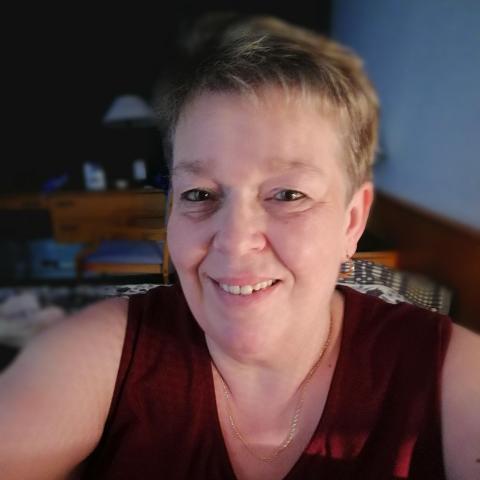 Ágnes, 54 éves társkereső nő - Tát