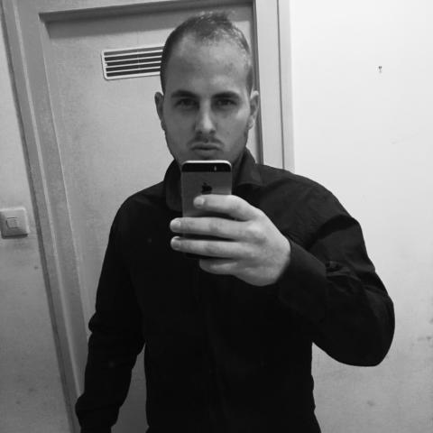 Márk, 25 éves társkereső férfi - Paks