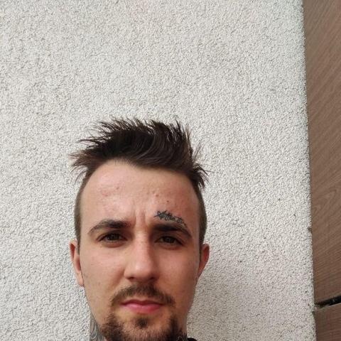 Erik, 23 éves társkereső férfi - Dunaszerdahely