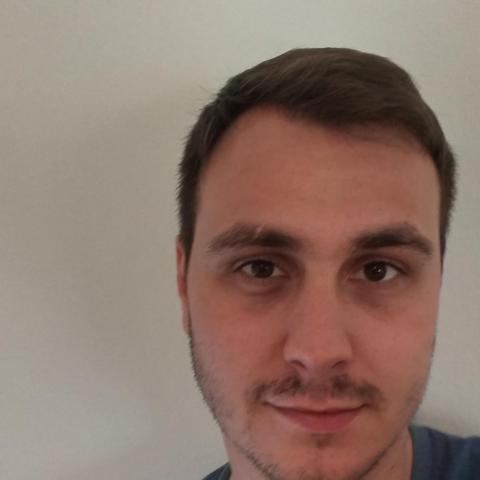 Péter, 29 éves társkereső férfi - Paks