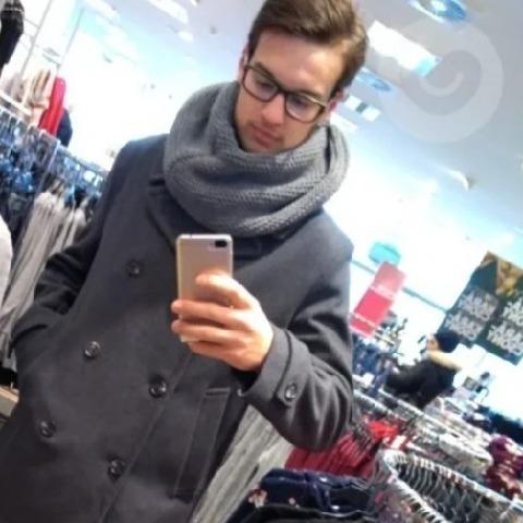 Kevin, 20 éves társkereső férfi - Zalaegerszeg