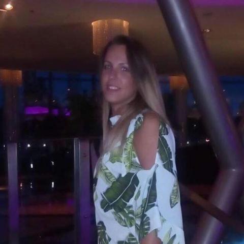 Petra, 28 éves társkereső nő - Keszthely