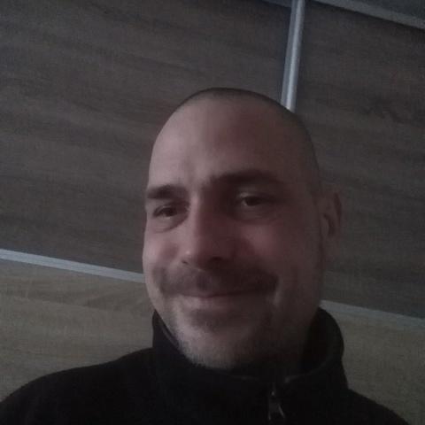 György, 37 éves társkereső férfi - Szolnok