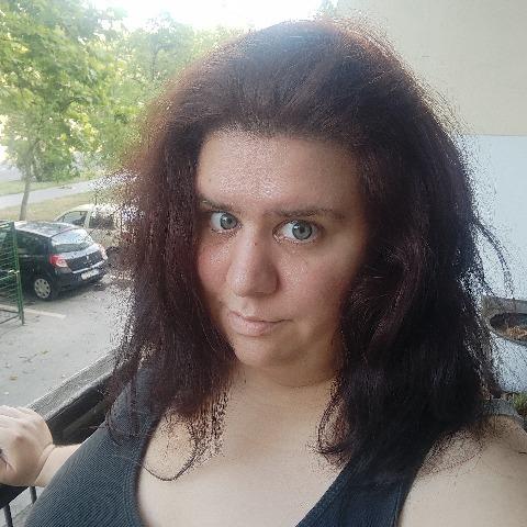 Vivi, 28 éves társkereső nő - Cegléd