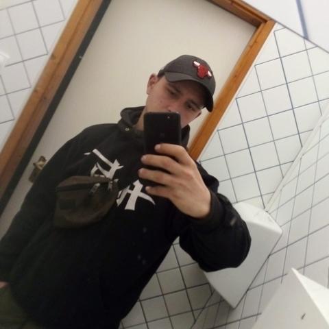 Flórián, 20 éves társkereső férfi - Kistelek