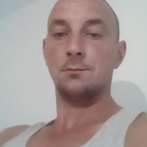 Zoli, 34 éves társkereső férfi - Miskolc
