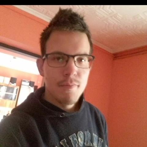 János, 24 éves társkereső férfi - Hajdúhadház