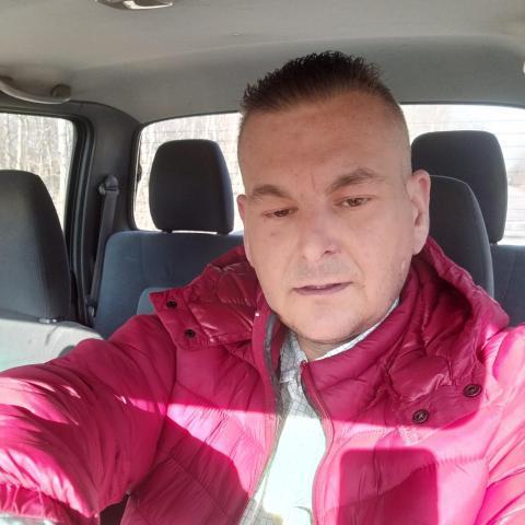 Tibi, 39 éves társkereső férfi - Szalkszentmárton