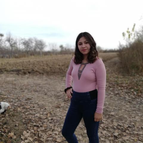 Viki, 18 éves társkereső nő - Fehérgyarmat