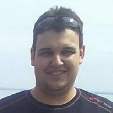 Bence, 25 éves társkereső férfi - Csongrád
