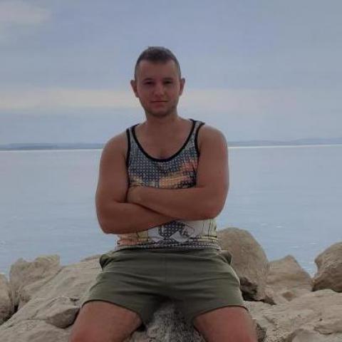 Dávid, 21 éves társkereső férfi - Hódmezővásárhely