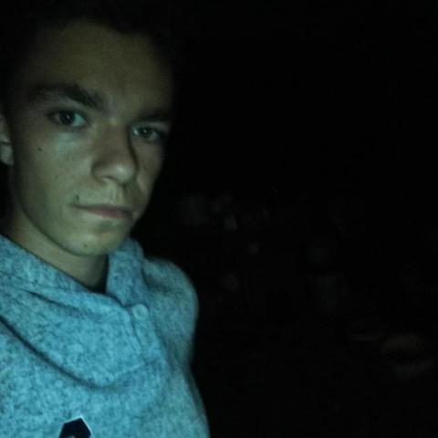 Balázs, 20 éves társkereső férfi - Kakasd
