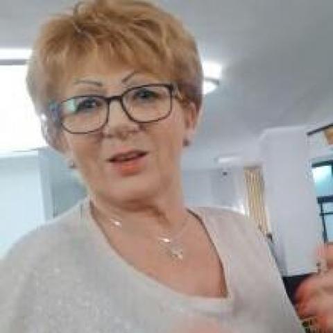 Éva, 74 éves társkereső nő - Miskolc