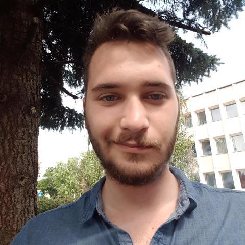Bence, 24 éves társkereső férfi - Nyíregyháza
