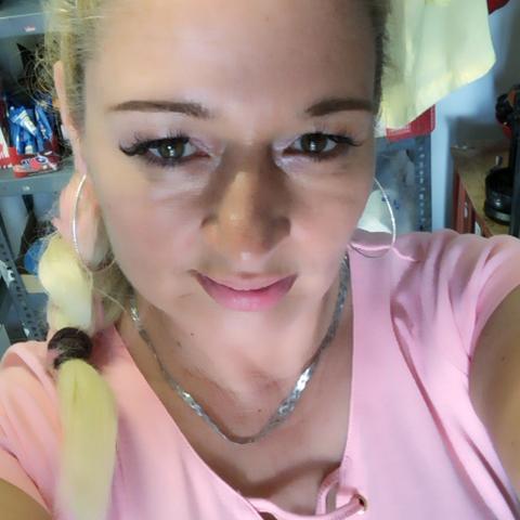 Szabina, 38 éves társkereső nő - Pécs