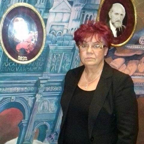 Éva, 63 éves társkereső nő - Budaörs
