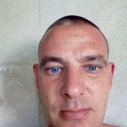 Robi, 37 éves társkereső férfi - Horhos