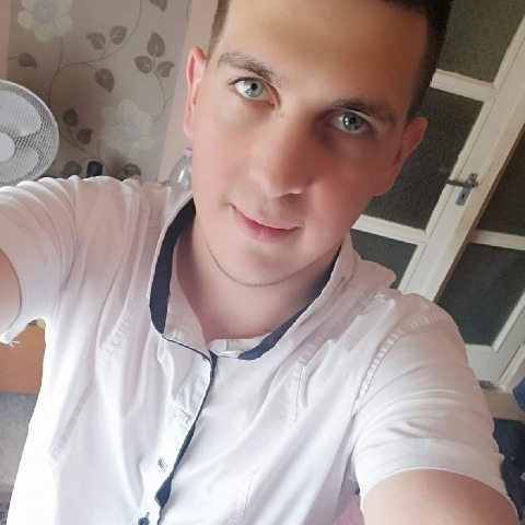 Zsolt, 24 éves társkereső férfi - Gávavencsellő