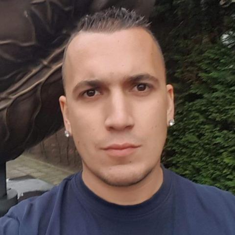 Zsolti, 31 éves társkereső férfi -