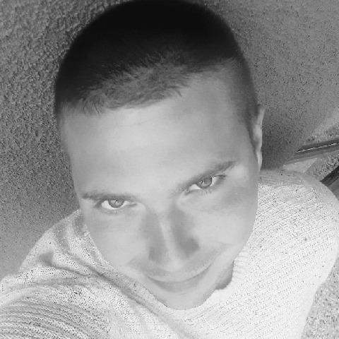 Alex, 28 éves társkereső férfi - Szécsény