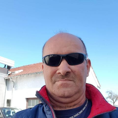Gyuri, 51 éves társkereső férfi - Békéscsaba