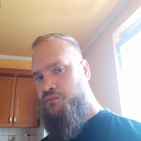 Tomi, 34 éves társkereső férfi - Dorog
