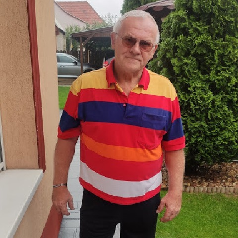 János, 71 éves társkereső férfi - Üröm