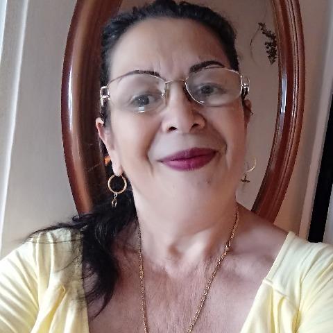 Ibolya, 59 éves társkereső nő - Debrecen