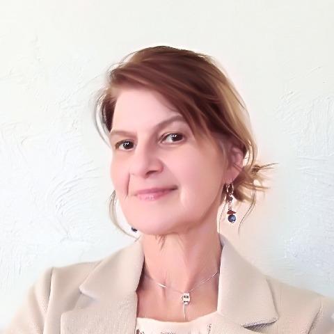 Julia, 56 éves társkereső nő -