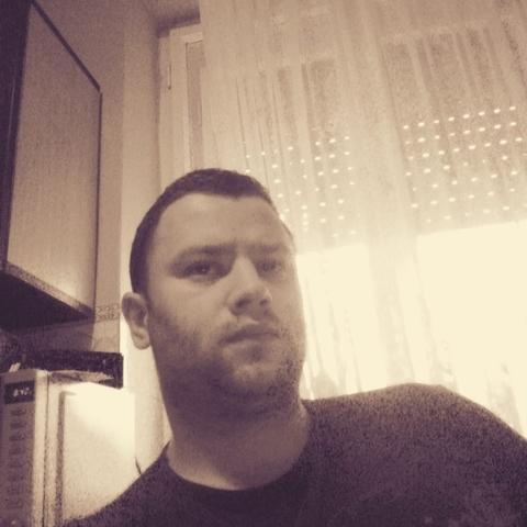 Károly, 29 éves társkereső férfi - Tura
