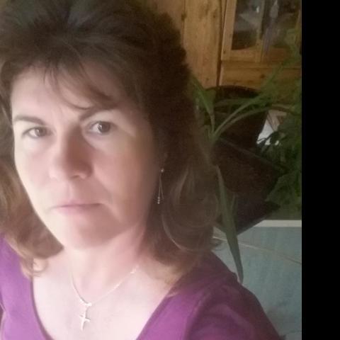 Zsóka, 54 éves társkereső nő - Tolmács
