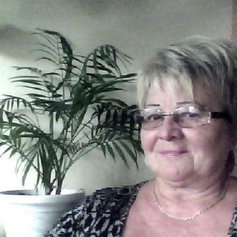 Ilona, 68 éves társkereső nő - Edelény