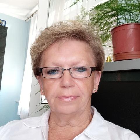 Zsuzsa, 61 éves társkereső nő - Csorna