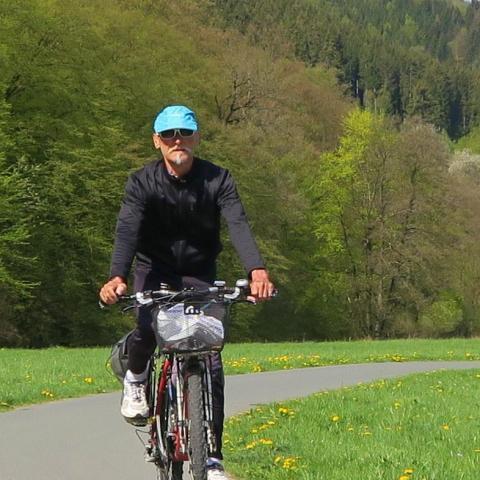 Már annyira kerékpáros a magyar, hogy társkeresőn is lehet erre szűrni