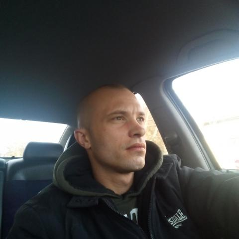 Gergő, 28 éves társkereső férfi - Békéscsaba
