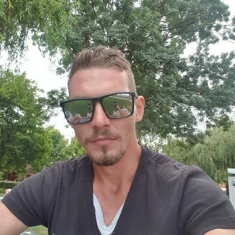 József, 28 éves társkereső férfi - Szigetszentmiklós