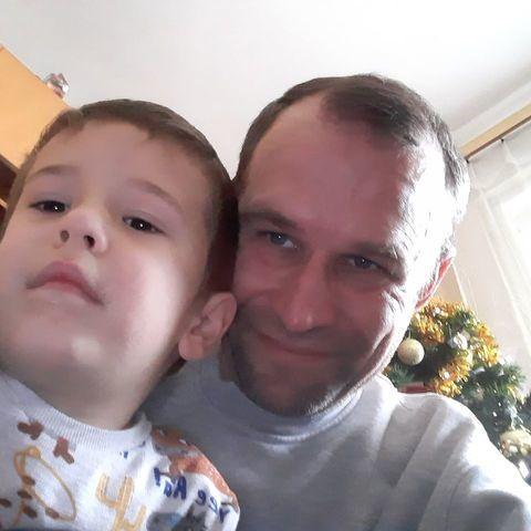 Tibor, 41 éves társkereső férfi - Zsáka
