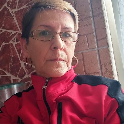 Edit, 59 éves társkereső nő - Dunaújváros