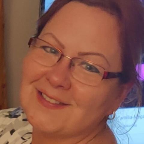 Csilla, 51 éves társkereső nő -