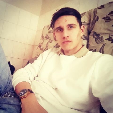 László, 22 éves társkereső férfi - Tarpa