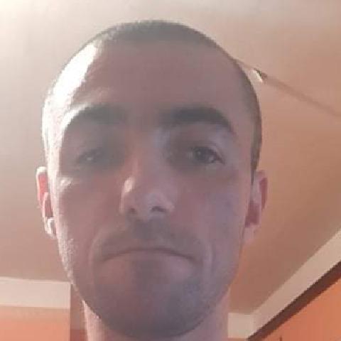 Krisztián , 31 éves társkereső férfi - Füzesabony
