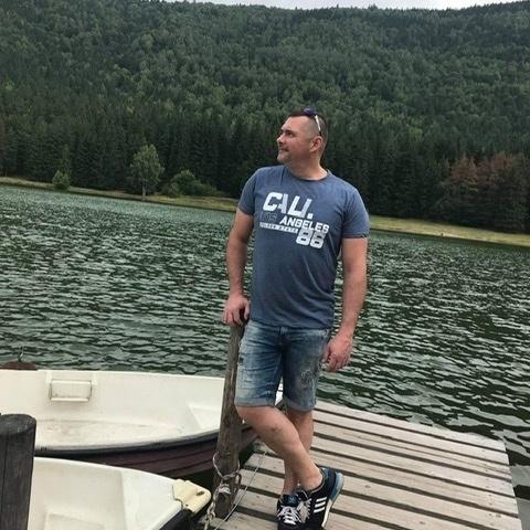 Balazs, 43 éves társkereső férfi -