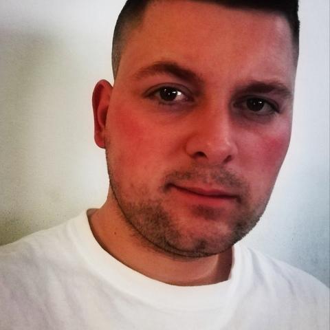István , 27 éves társkereső férfi - Debrecen