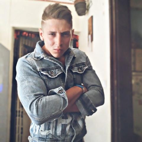 Karesz, 24 éves társkereső férfi - Miskolc